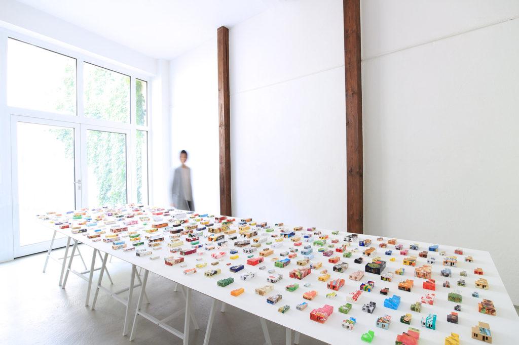 "Installation Image of ""365 Apartments"" by Nana Hirose & Kazuma Nagatani 広瀬菜々 永谷一馬."