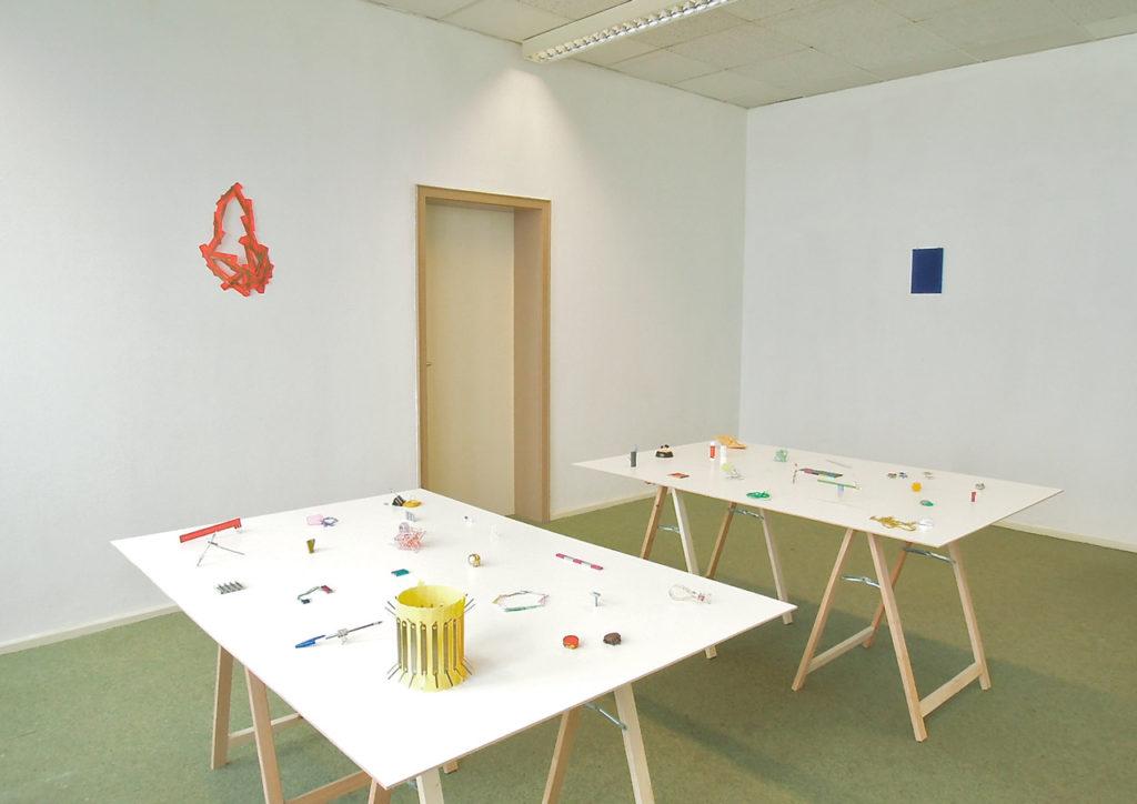 "Installation Image of ""Deskwork"" by Nana Hirose & Kazuma Nagatani."
